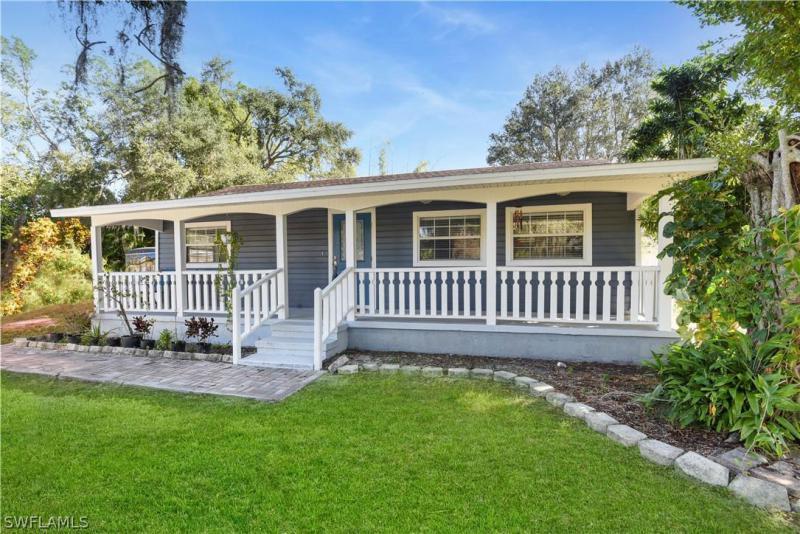 212  Granada BLVD, Fort Myers, FL 33905-