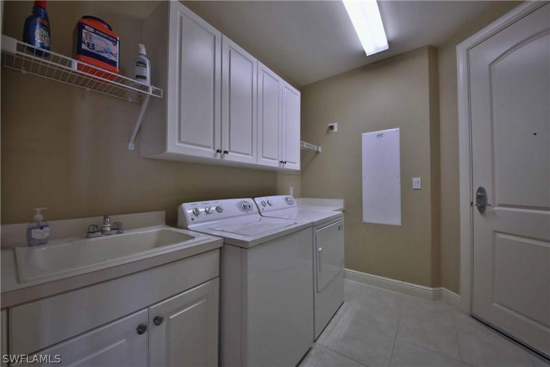 2090 W First 3105, Fort Myers, FL, 33901