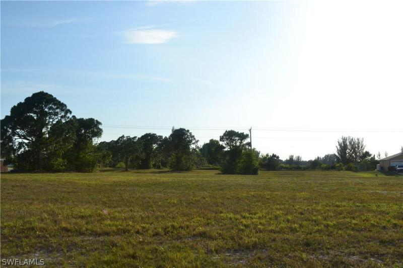 2800 Nw 27th Place, Cape Coral, Fl 33993