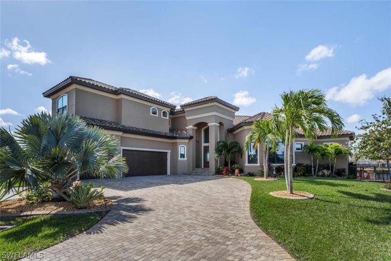 2204 SE 32nd,  Cape Coral, FL