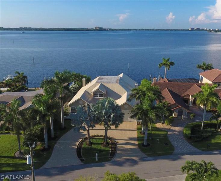 1638  Edith Esplanade,  Cape Coral, FL