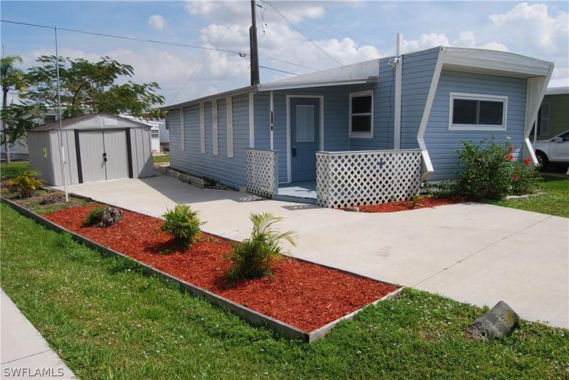 20681  Garden DR, Estero, FL 33928-