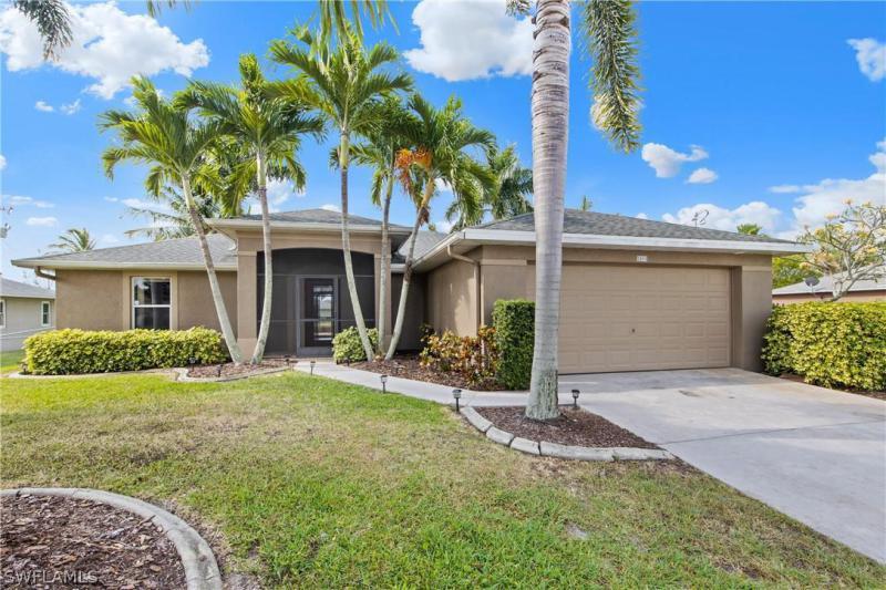18142  Doral DR, Fort Myers, FL 33967-