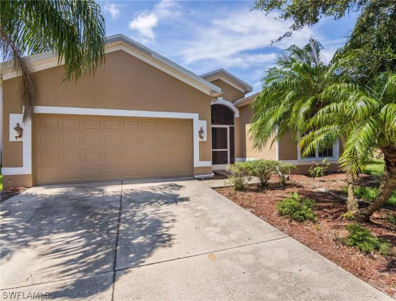 11508  Lake Cypress LOOP, Fort Myers, FL 33913-