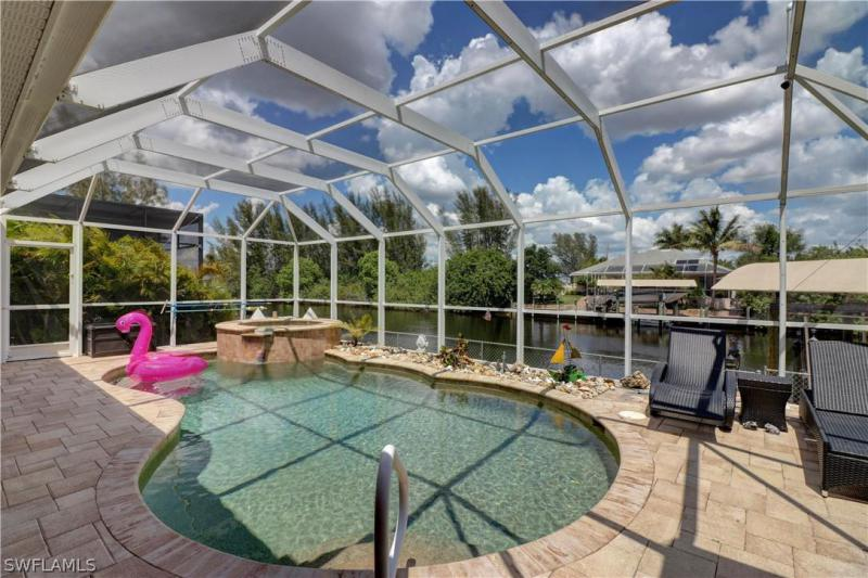 825 Nw 38th Ave, Cape Coral, Fl 33993