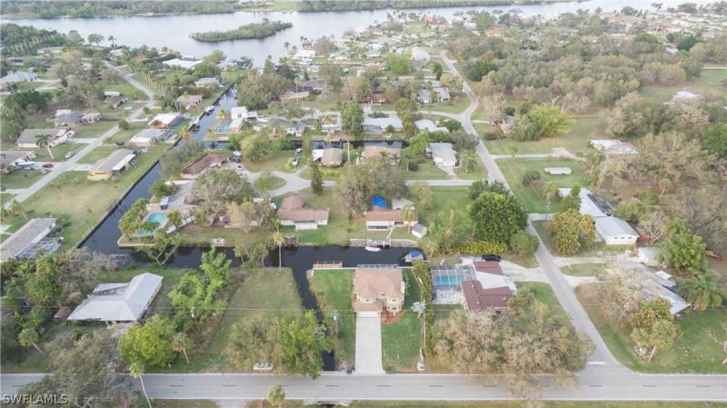 14821 Old Olga RD Fort Myers, FL 33905 photo 4