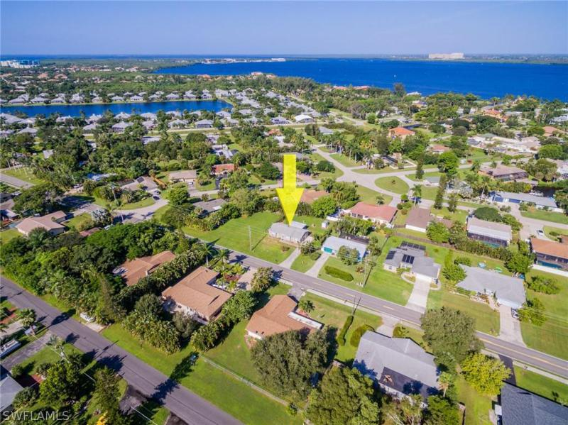 12914  Iona RD, Fort Myers, FL 33908-