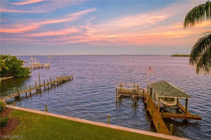 Captiva, Captiva, Florida 6 Bedroom as one of Homes & Land Real Estate