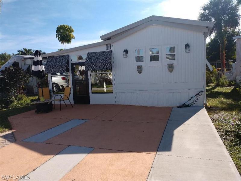 20171  Cumberland CT, Estero, FL 33928-