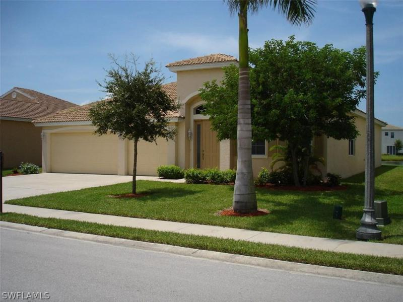 2650 Amber Lake DR, Cape Coral, FL 33909