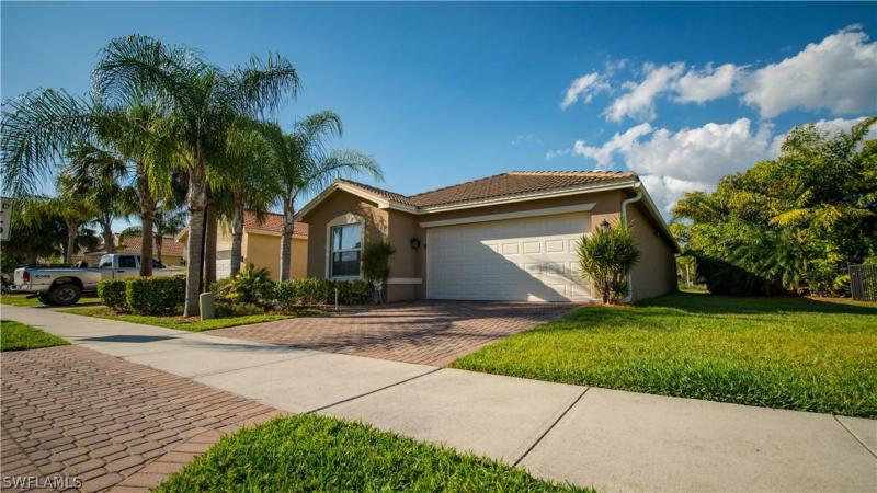 10355  Carolina Willow DR, Fort Myers, FL 33913-