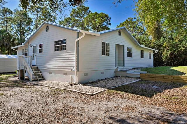 3853  Hoffman,  Fort Myers, FL