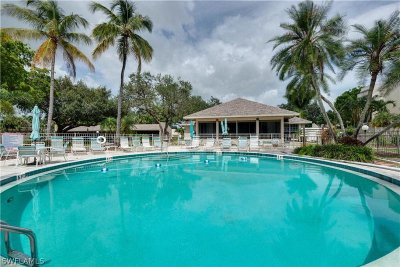 5959  Winkler,  Fort Myers, FL
