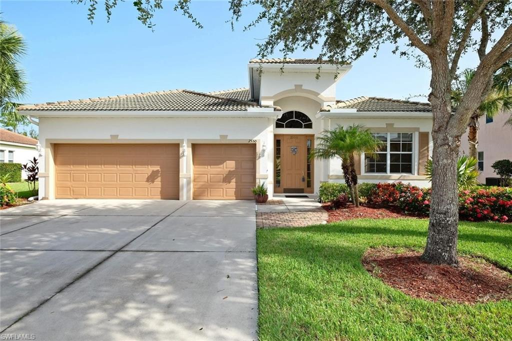 943  Golden Pond CT, Cape Coral, FL 33909-
