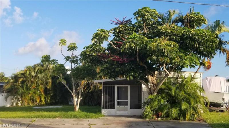 711  Estero BLVD Unit 10, Fort Myers Beach, FL 33931-