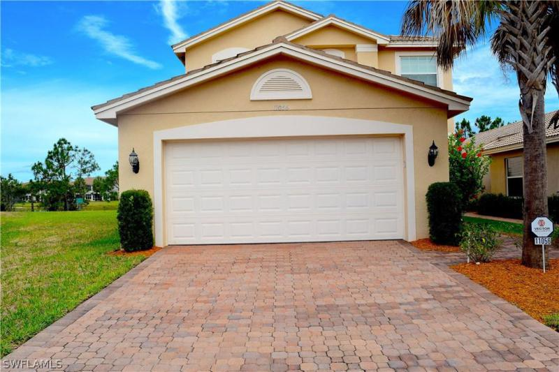 11068  Yellow Poplar DR, Fort Myers, FL 33913-
