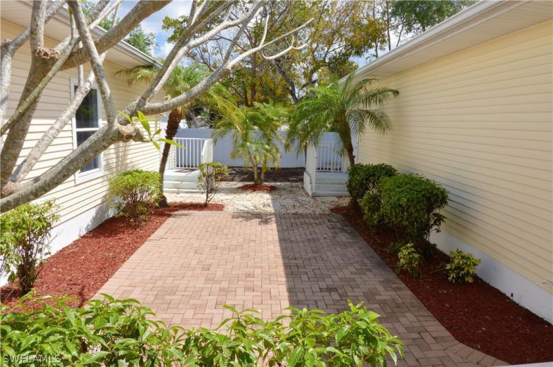12856 Banyan Creek 107, Fort Myers, FL, 33908