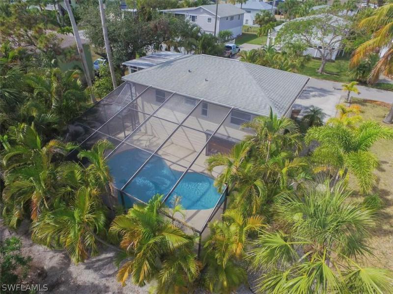 Photo of Gulf Island Manor 132 Gulf Island in Fort Myers Beach, FL 33931 MLS 218011285