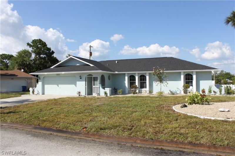 2853 NW 7th ST, Cape Coral, FL 33993-