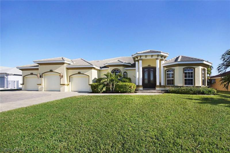 2011 SE 20th LN, Cape Coral, FL 33990-