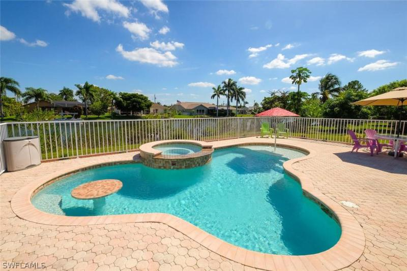 2229 SE 5th,  Cape Coral, FL