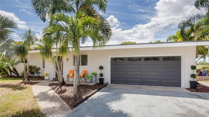 COUNTRY CLUB HOMES Fort Myers