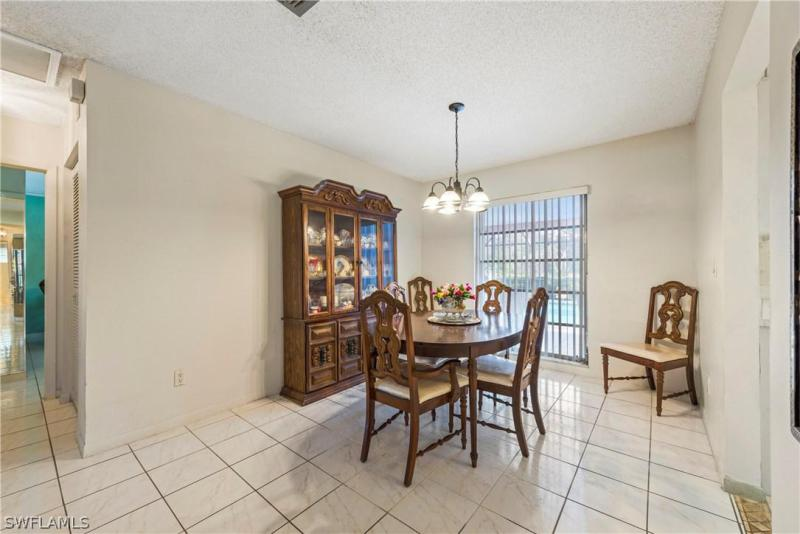 2336 Kent AVE Fort Myers, FL 33907 photo 4