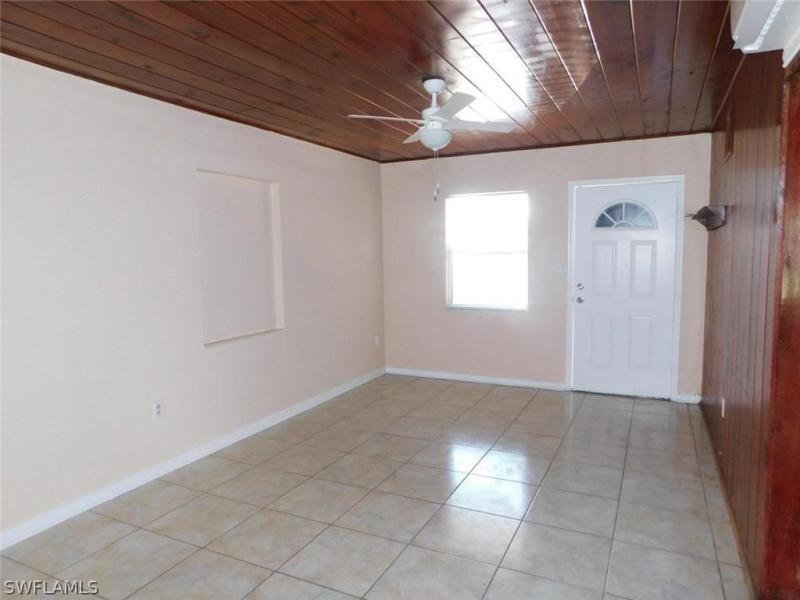 3745  Unique CIR, Fort Myers, FL 33908-
