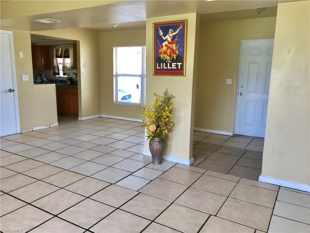 For Sale in MEAD VILLAS Fort Myers FL
