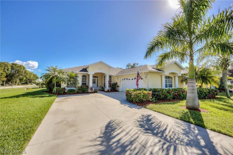 , Bonita Springs in Lee County, FL 34135 Home for Sale