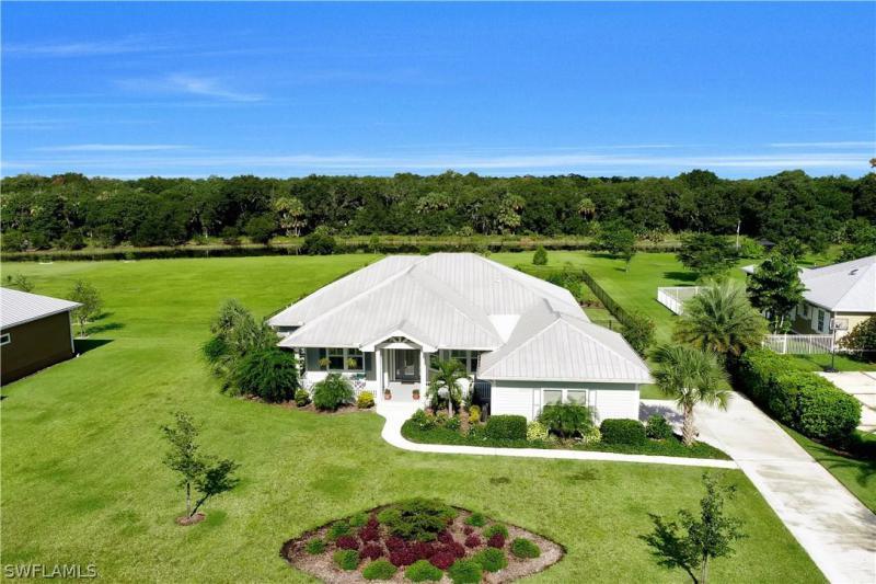 Horse Creek Estates Homes for Sale in Naples FL.