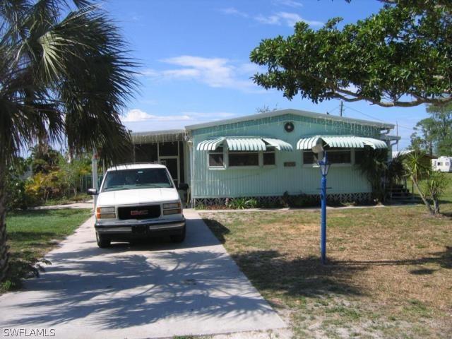 7631  Carpenter RD, Bokeelia, FL 33922-