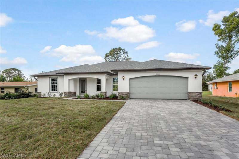 Lee, Fort Myers in Lee County, FL 33967 Home for Sale