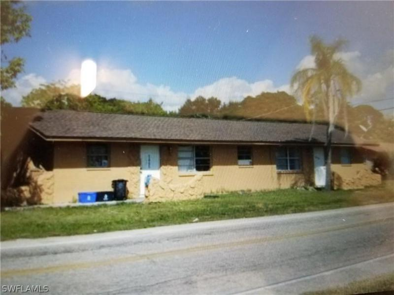 5465/5467  Fifth,  Fort Myers, FL