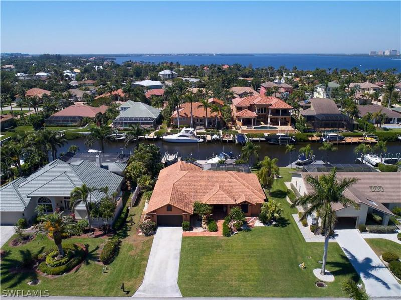 SHALLOWS Fort Myers