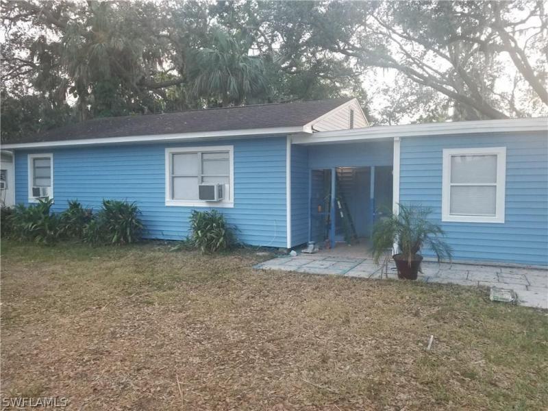 307  Buena Vista BLVD, Fort Myers, FL 33905-