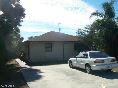 2  Tangerine CT, Lehigh Acres, FL 33936-