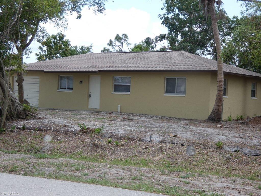 7233  Lobelia RD, Fort Myers, FL 33967-
