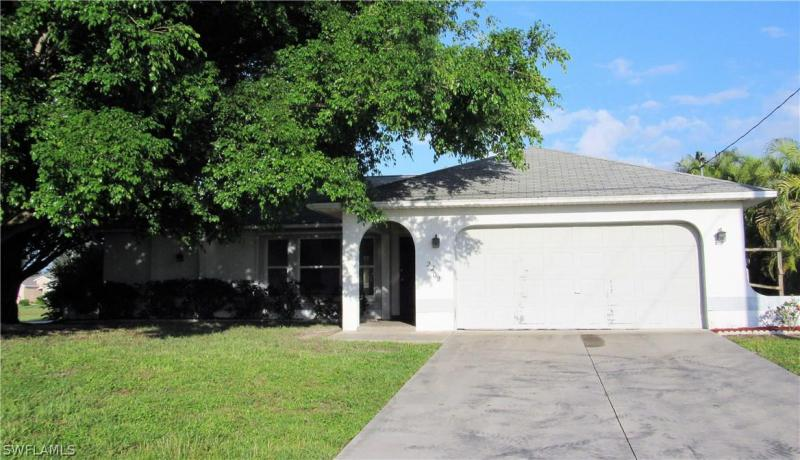 417 SW 43rd ST, Cape Coral, FL 33914-