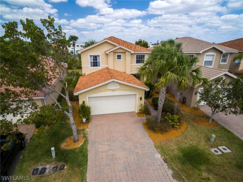 11073  Yellow Poplar DR, Fort Myers, FL 33913-