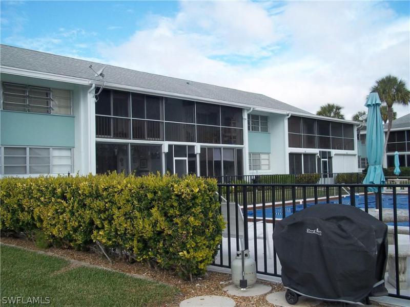 4427 Country Club Boulevard #h11, Cape Coral, Fl 33904