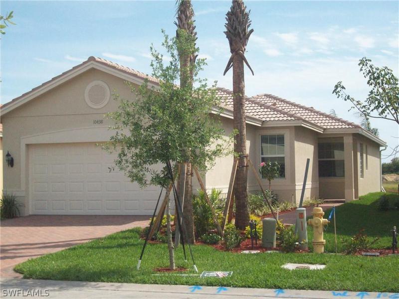 10511  Carolina Willow DR, Fort Myers, FL 33913-