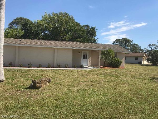 18608  Sebring RD, Fort Myers, FL 33967-