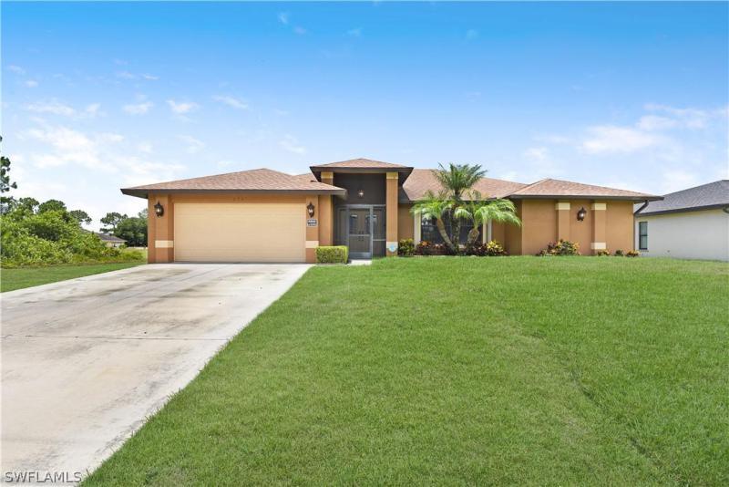 825  Anson,  Lehigh Acres, FL