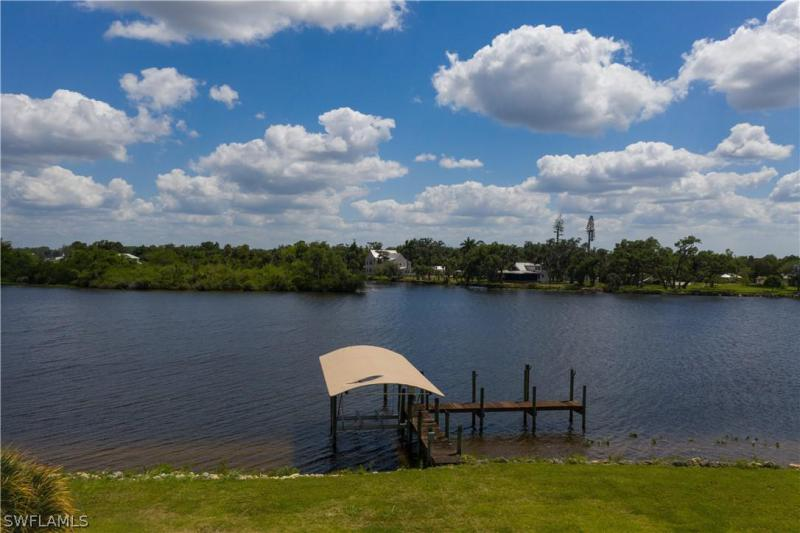 20250  Cypress Creek,  ALVA, FL