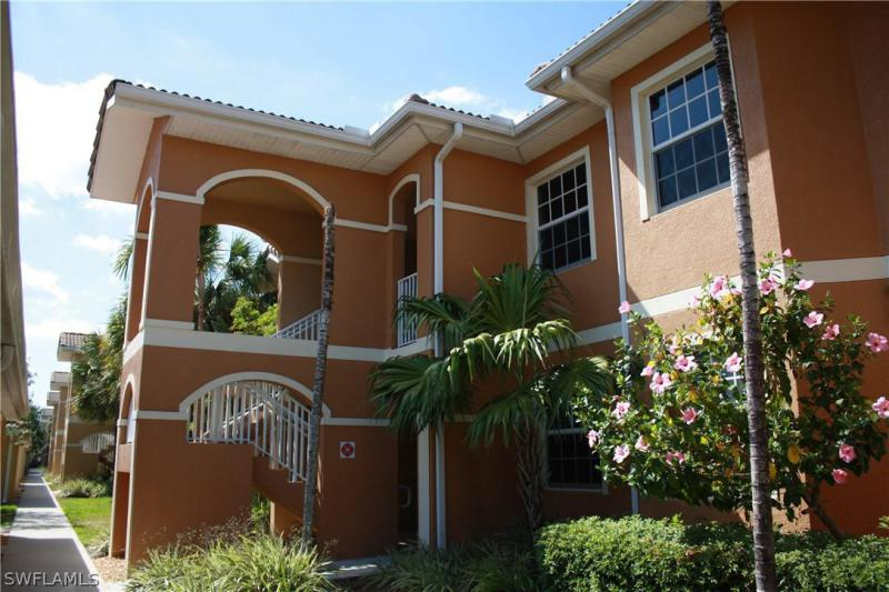 1076  Winding Pines,  Cape Coral, FL