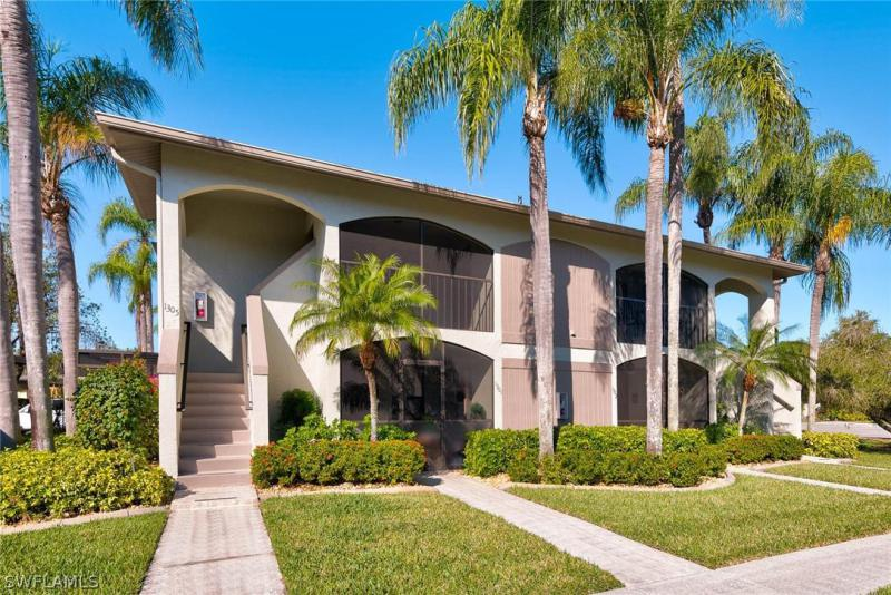 For Sale in VILLAS THREE Fort Myers FL