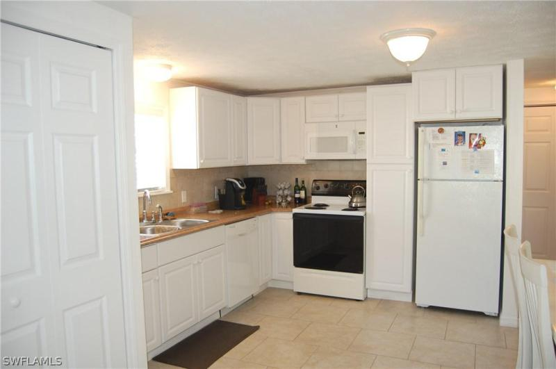 Photo of Hills T.p. 180 Pearl in Fort Myers Beach, FL 33931 MLS 218008023
