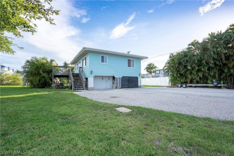 189  Matanzas ST, Fort Myers Beach, FL 33931-