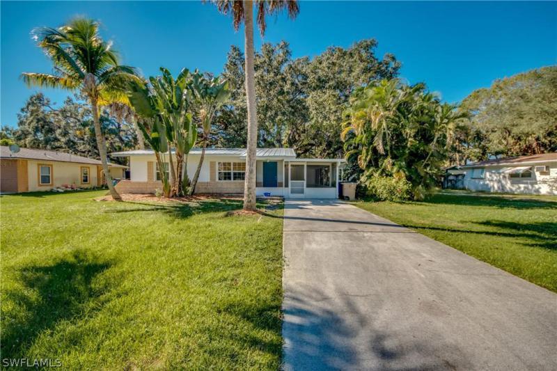 265  Granada BLVD, Fort Myers, FL 33905-